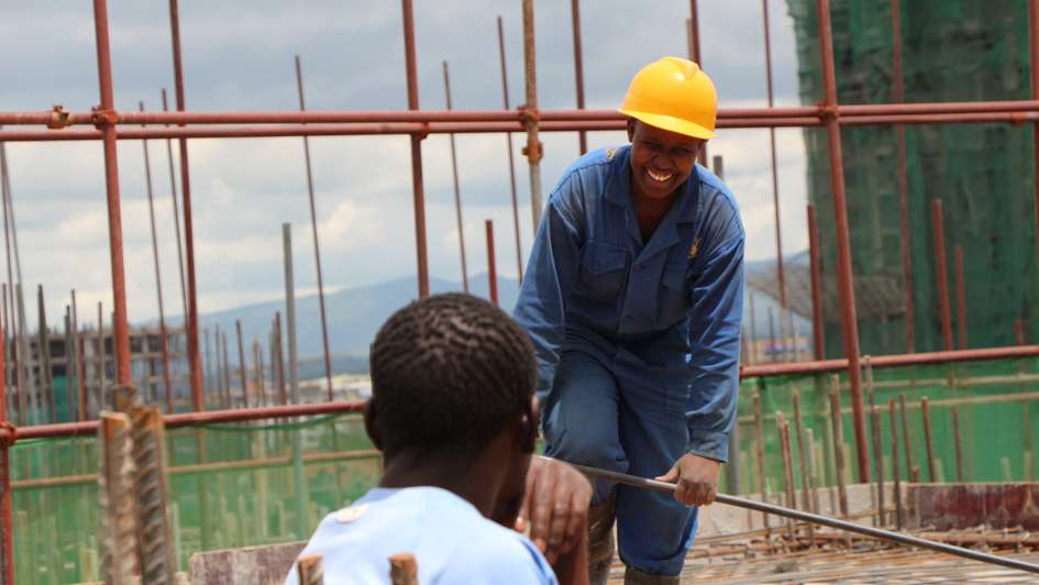 In Kenya young people are being trained as electricians