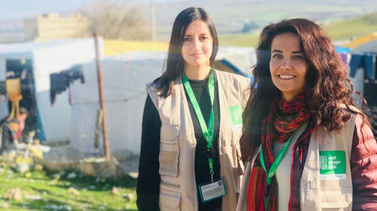 Jessica Kühnle and her colleague in a camp for Yazidi refugees in Turkey