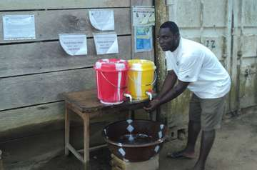 Welthungerhilfe steps up education programmes and installs handwashing stations.
