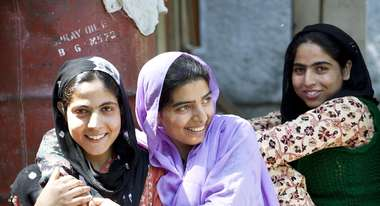 For a long time, women in Kashmir had no rights. Thanks to self-help groups and literacy programmes they are now gaining confidence.